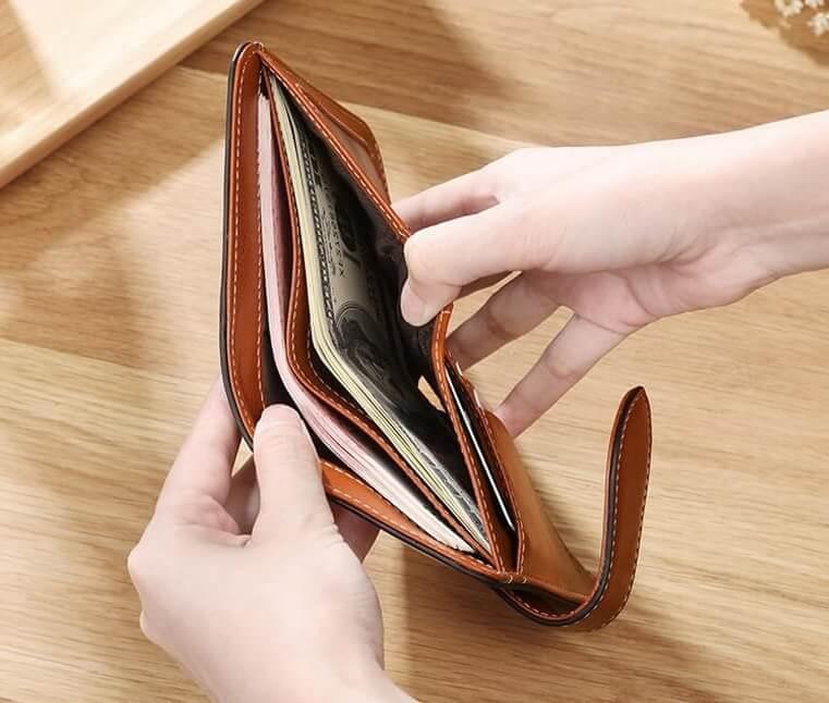 Tận dụng những chiếc ví là mẹo phong thủy chiêu tài lộc