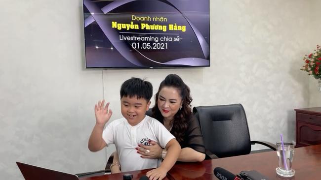 Doanh nhân Nguyễn Phương Hằng