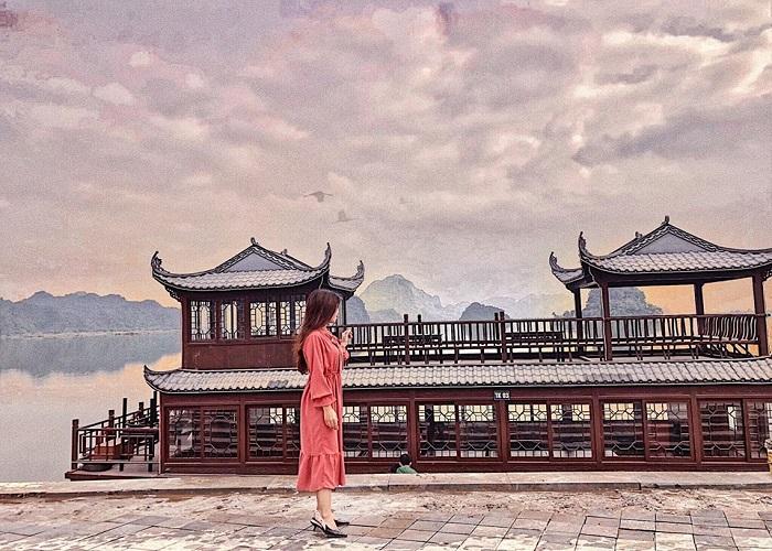 Vẻ thơ mộng chùa Tam Chúc